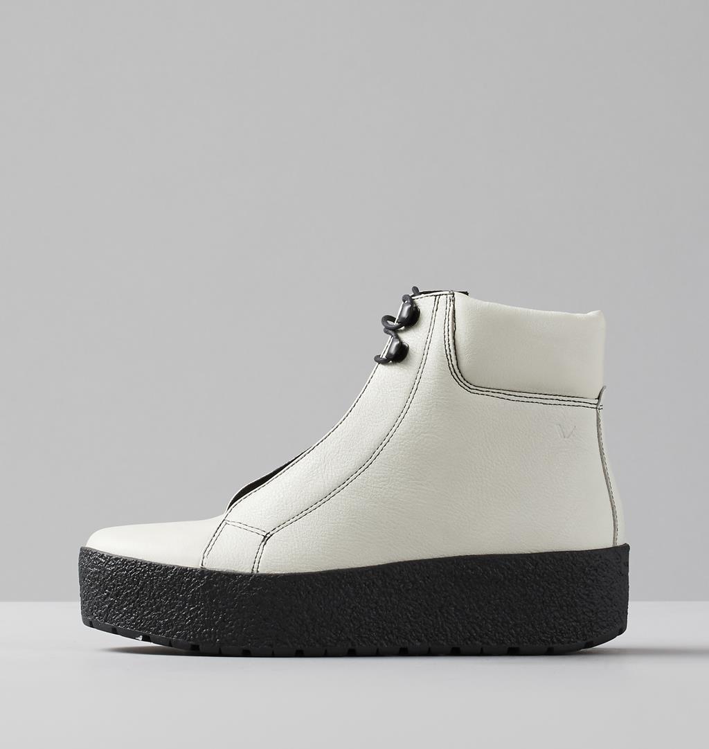 vagabond siri boot