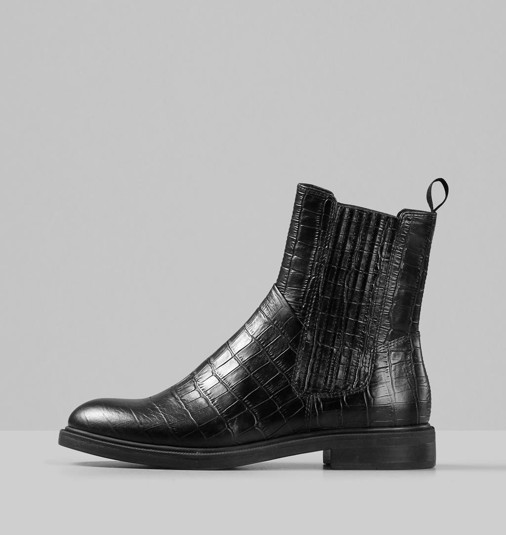Boots Amina