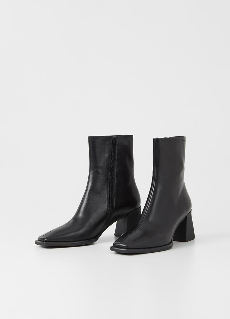 Hedda Black Cow Leather Boots