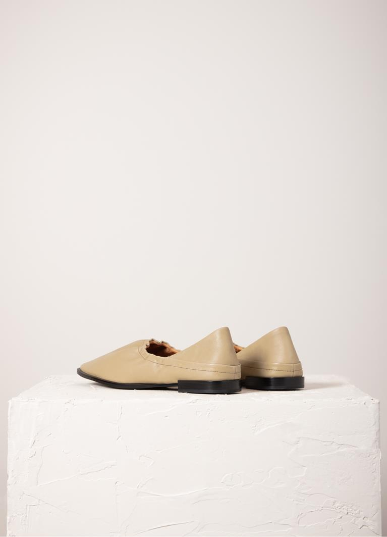 Gina Sesame Cow Leather Shoes